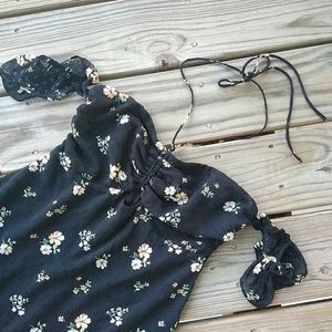 Urban Outfitters Dresses - Urban Outfitters Off the Shoulder Floral Dress